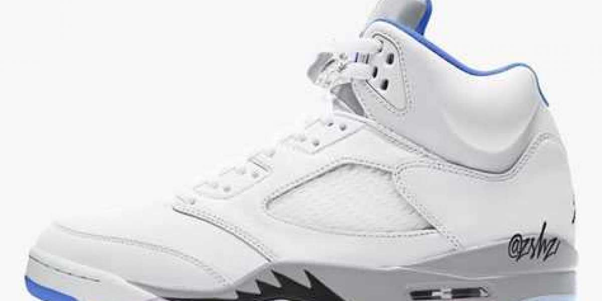 """DD0587-140 Aj 5 """"Hyper Royal"""" White/Stealth-Black-Hyper Royal will be released on March 31 next year"""