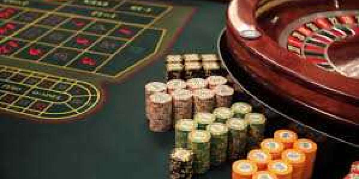 Free Poker in MA - Get In On The Action