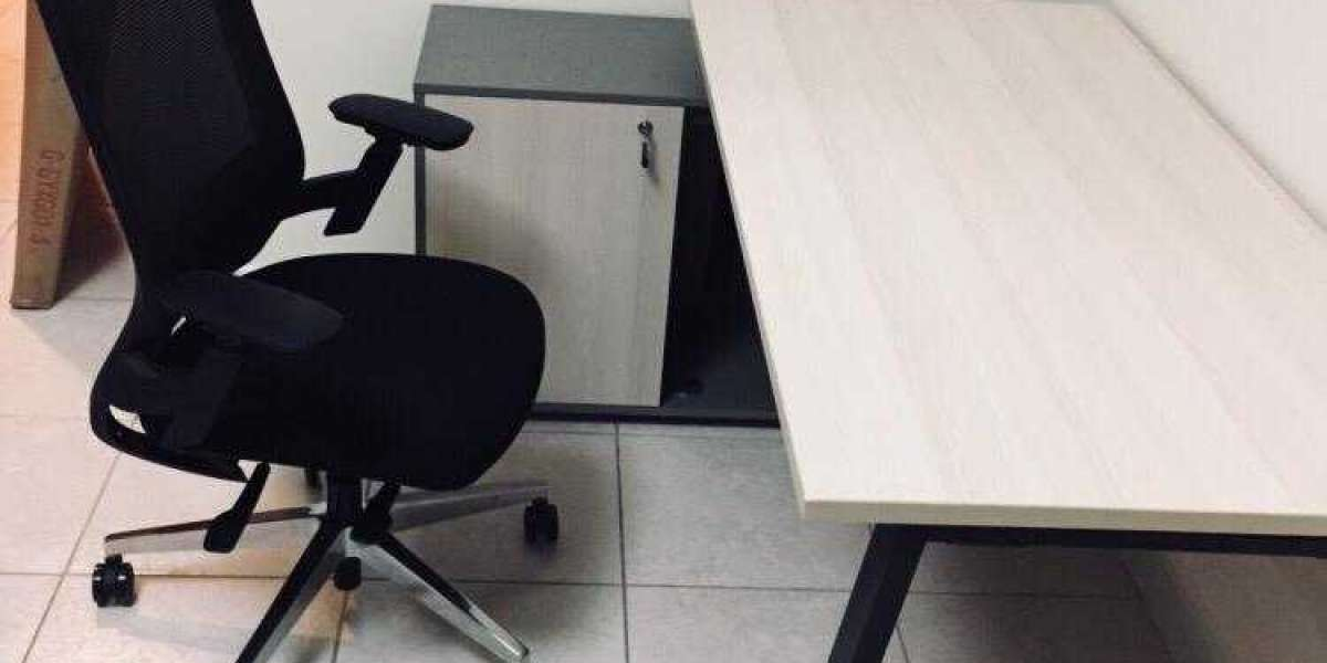 Selecting the Right Office Chair for Your Workers