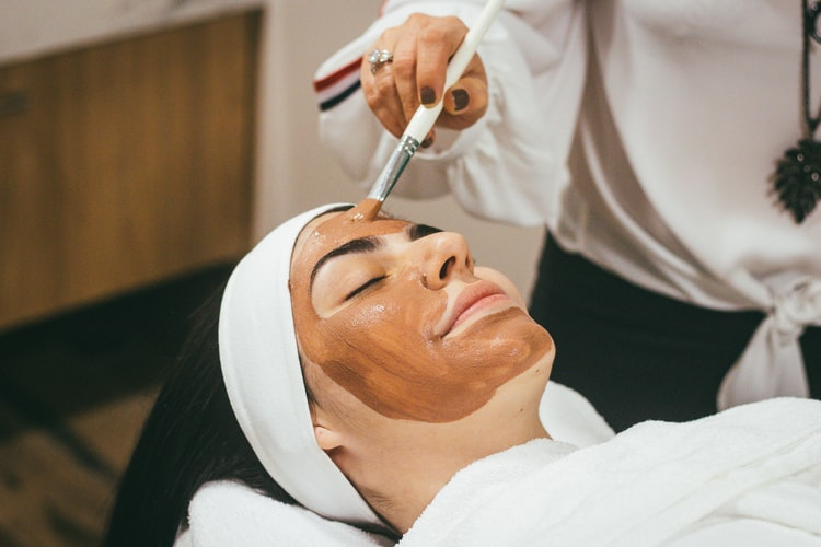 Purpose & Advantages of Cosmetic Surgery – Cosmetic Clinic Coolangatta